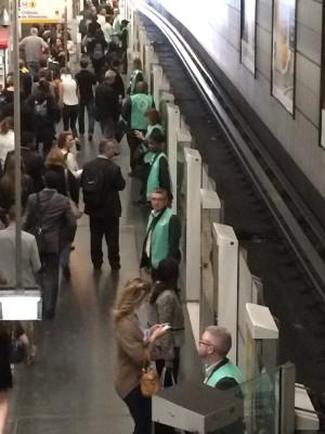2015-0727-ligne-1-hommes-verts.jpg